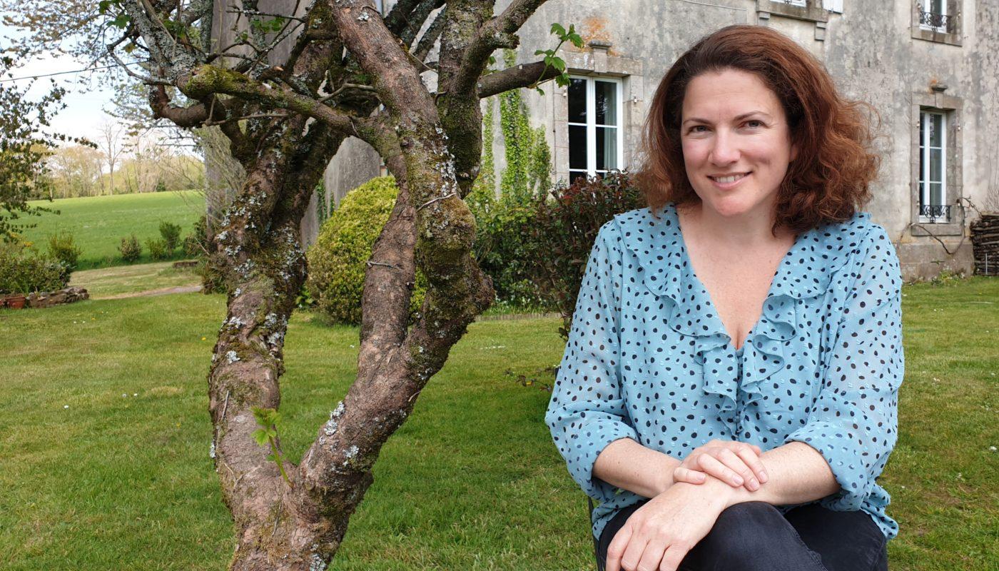 Aline Baudry-Scherer a enregistré des podcasts comme le féminisme expliqué à mon beauf et des publicités radio. Elle écrit aussi des articles pour le web ainsi que des romans.