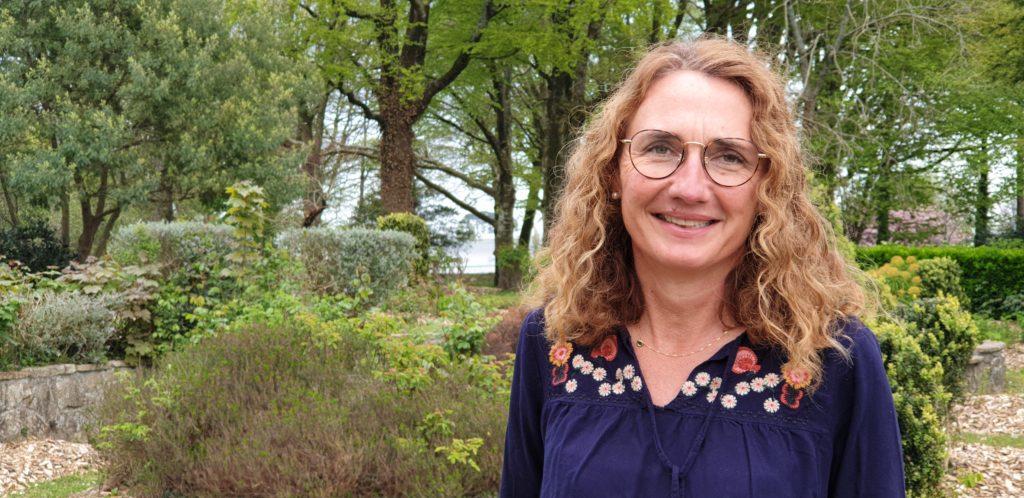 En charge de la communication chez Enedis à Brest, Marie-Cécile Penvern a lancé récemment une série de podcasts pour valoriser les femmes qui agissent pour l'écologie. Elle nous présente Elles en Bretagne.