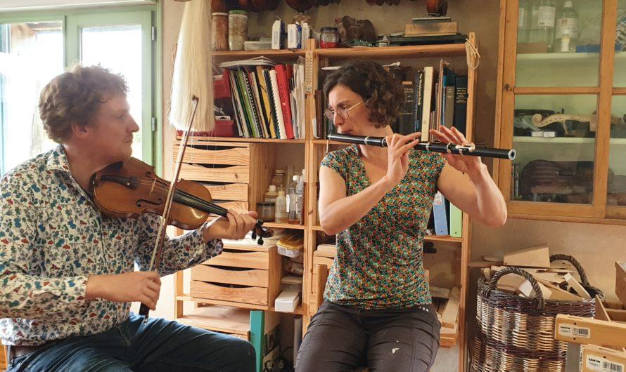Dan Ross, luthier, fabrique des violons à Plounéour-Ménez [Septembre 2021]