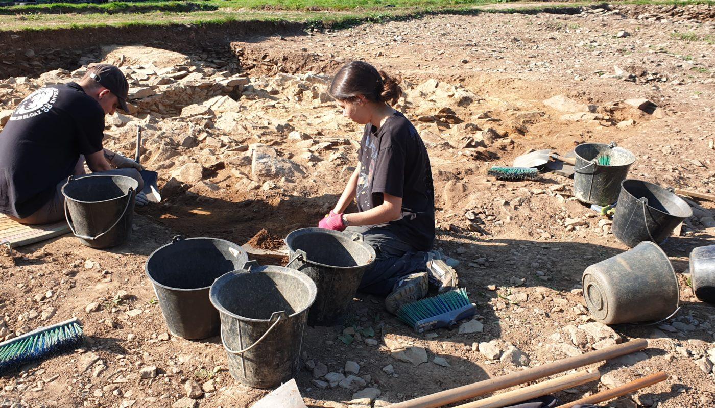 Les fouilles archéologiques au cairn de Goassec'h à Carhaix-Plouguer